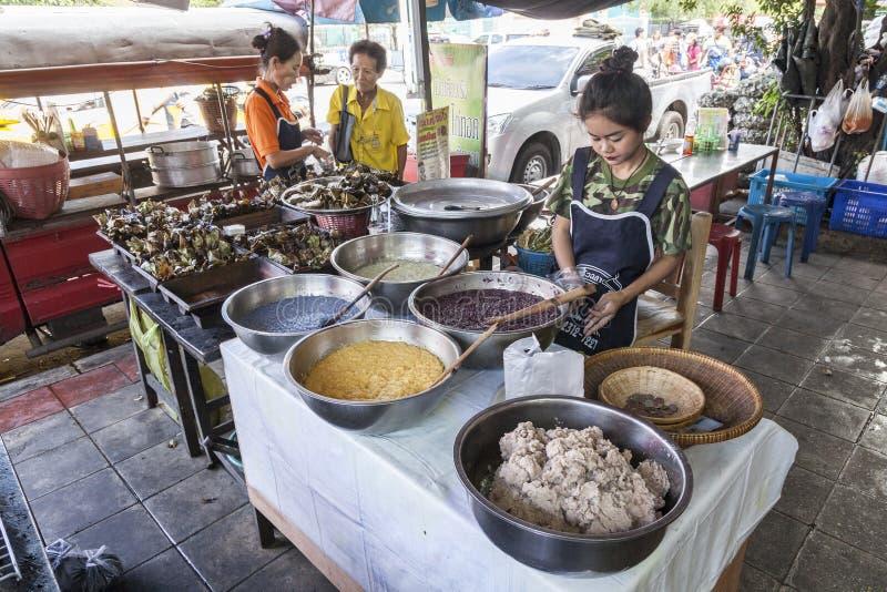 街道食物市场在曼谷 图库摄影