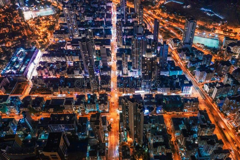 街道鸟瞰图在晚上,香港 免版税图库摄影