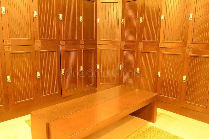 更衣室和衣物柜 免版税库存图片