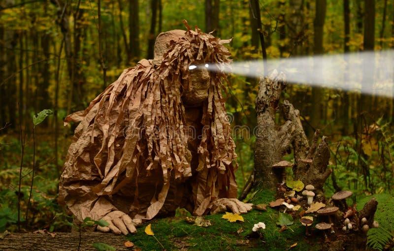 衣服木头恶鬼的人 库存照片