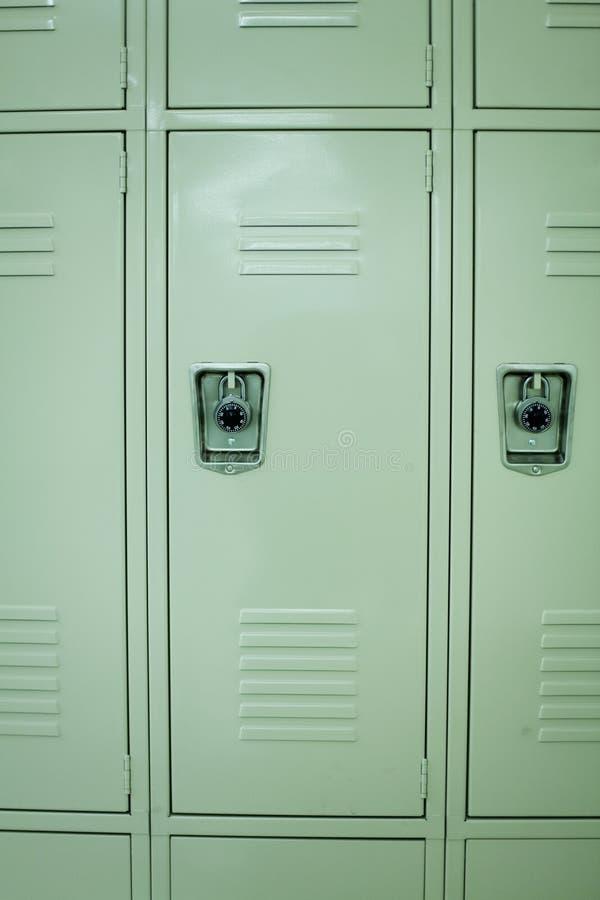衣物柜新的学校 免版税库存照片