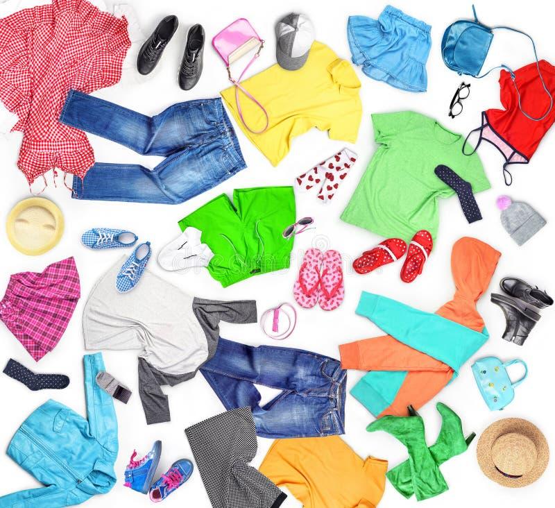 衣物 与衣裳的构成人的,妇女和孩子, 库存图片