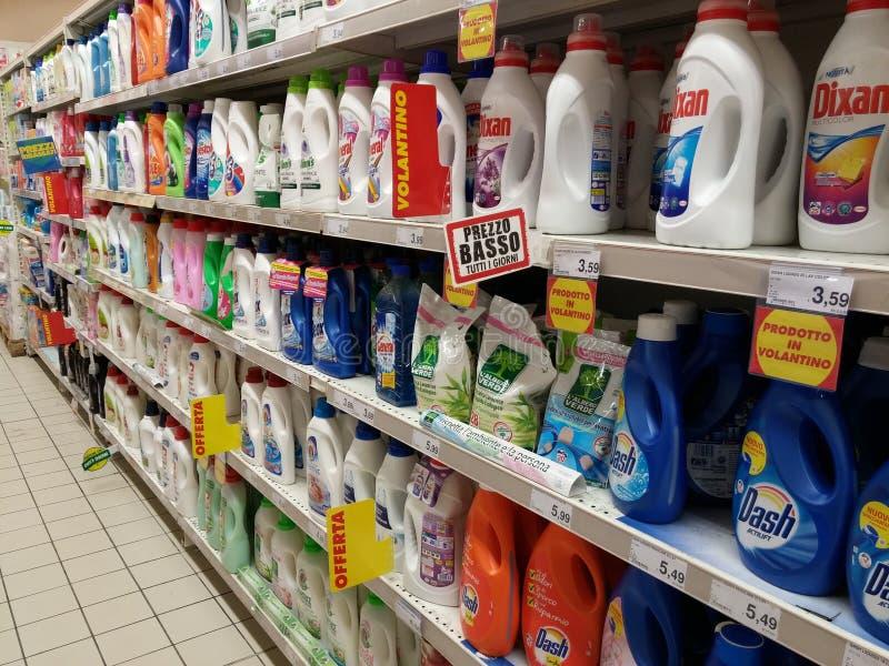 洗衣粉在超级市场 免版税库存照片