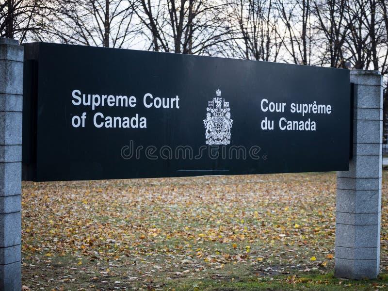 表明加拿大最高法院的词条标志,在渥太华,安大略 亦称SCOC,这是加拿大的最高的正义身体 免版税库存照片