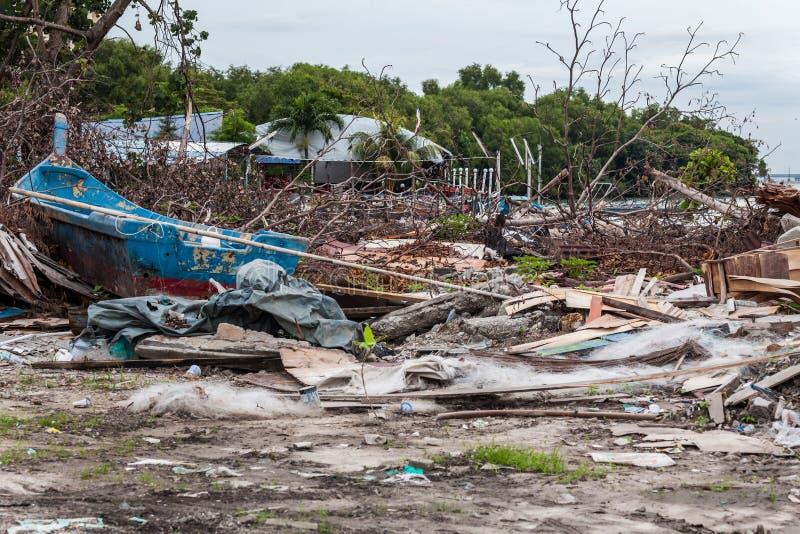 表明灾害的破烂物站点喜欢海啸、地震、龙卷风或者台风 免版税库存图片