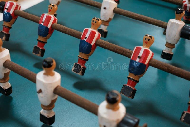 表足球形象-桌足球选手特写镜头 免版税库存照片