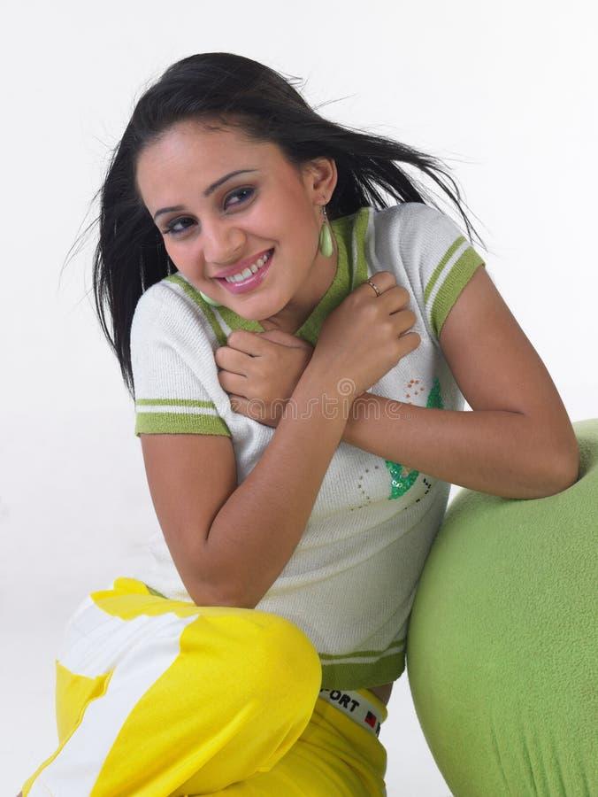 表达式女孩印地安人微笑少年 免版税库存图片