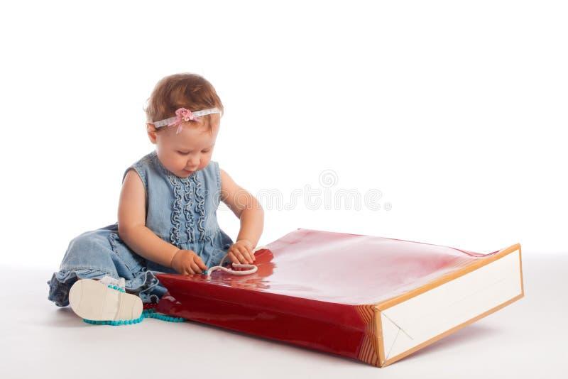 袋子女孩少许纸张 库存图片