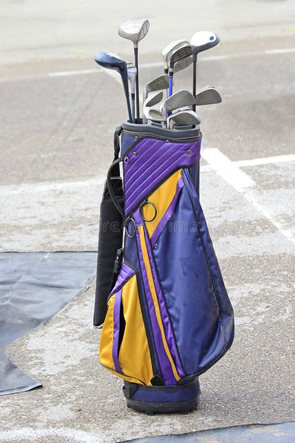 袋子棍打高尔夫球 图库摄影
