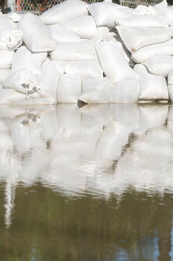 袋子洪水沙子水 图库摄影