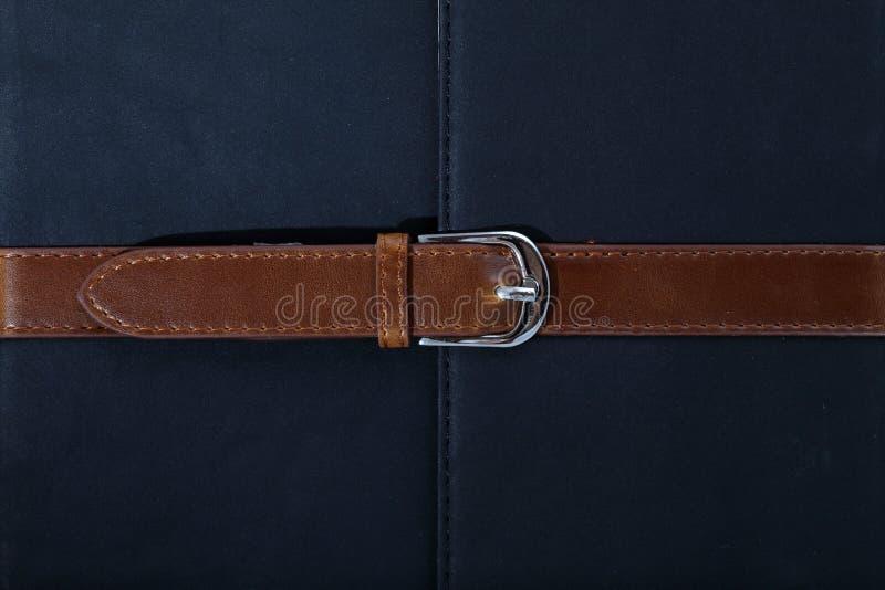 被佩带的传送带皮革被抓的缝纹理 免版税图库摄影
