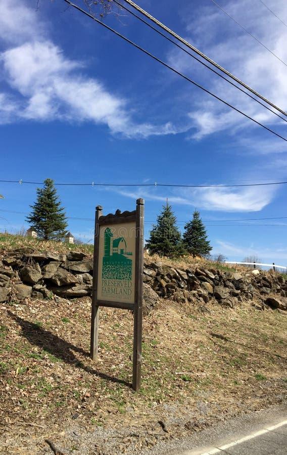 被保存的农田路旁标志 免版税图库摄影