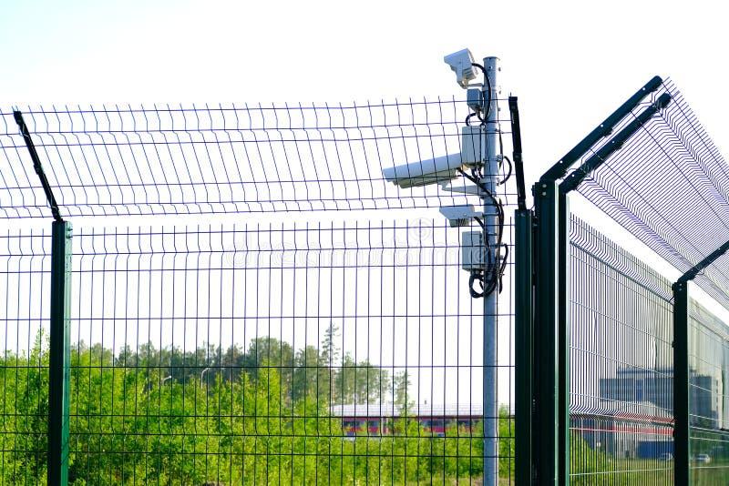 被保护区 监视的监视器 从我们的物产的CCTV英尺长度 ?? 库存照片