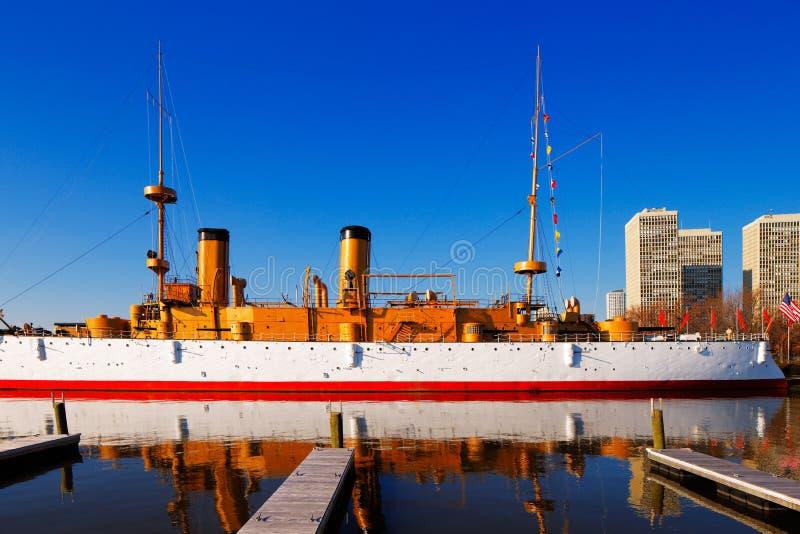 被保护的巡洋舰USS奥林匹亚,在费城 库存照片