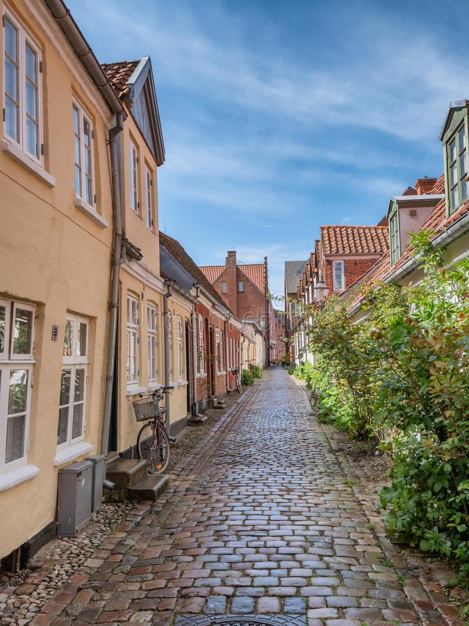 被修补的街道在老中世纪城市里伯,丹麦 图库摄影