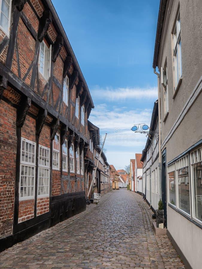 被修补的街道在老中世纪城市里伯,丹麦 库存照片