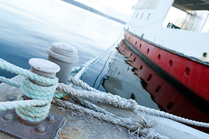 被停泊的码头船 免版税库存照片