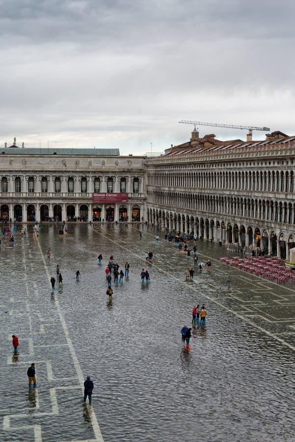 被充斥的St在威尼斯,意大利指示正方形 库存照片