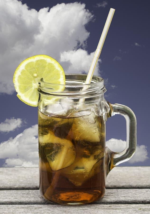 被冰的刷新的茶 免版税库存照片