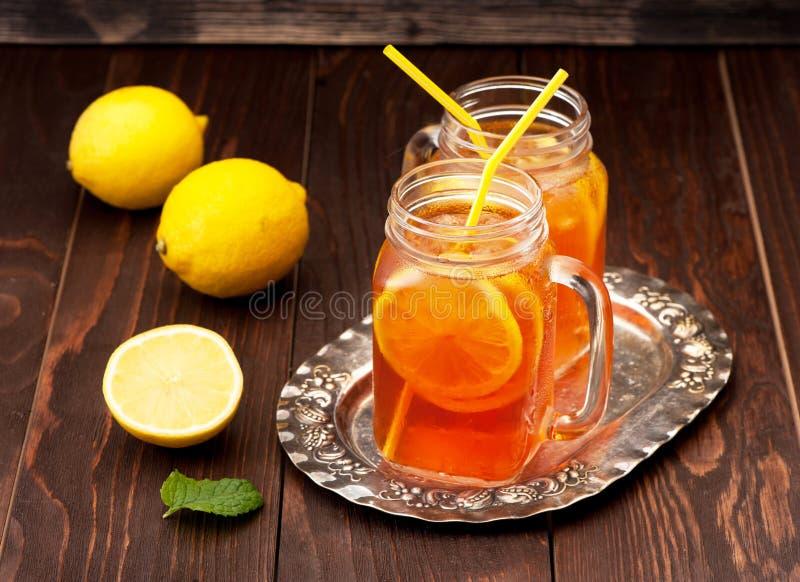 被冰的柠檬茶 免版税库存照片