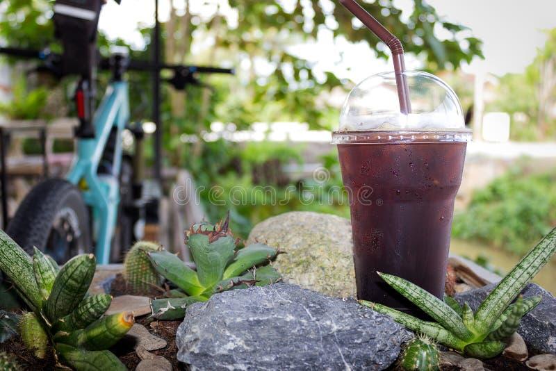 被冰的americano无奶咖啡 免版税库存照片