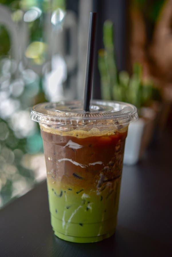 被冰的matcha和浓咖啡融合咖啡 免版税库存图片