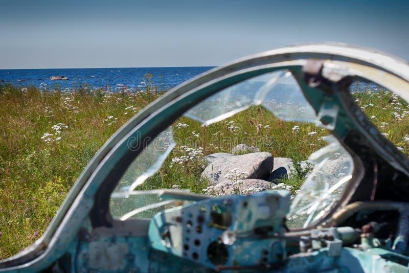 被击毁的军用飞机驾驶舱  水泡断 库存照片