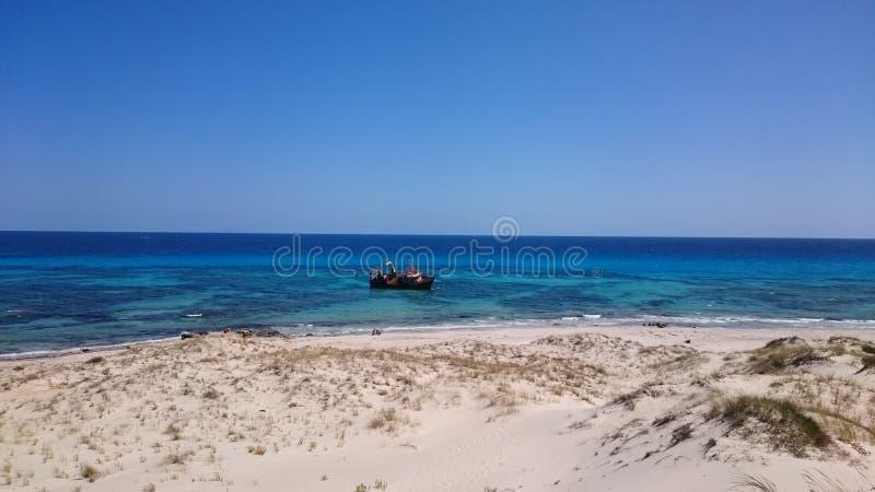 被击毁的船🚢星Hammem El Aghzez 3  免版税库存照片