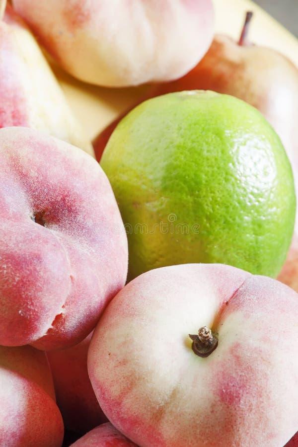 被分类的热带水果,选择聚焦 库存照片