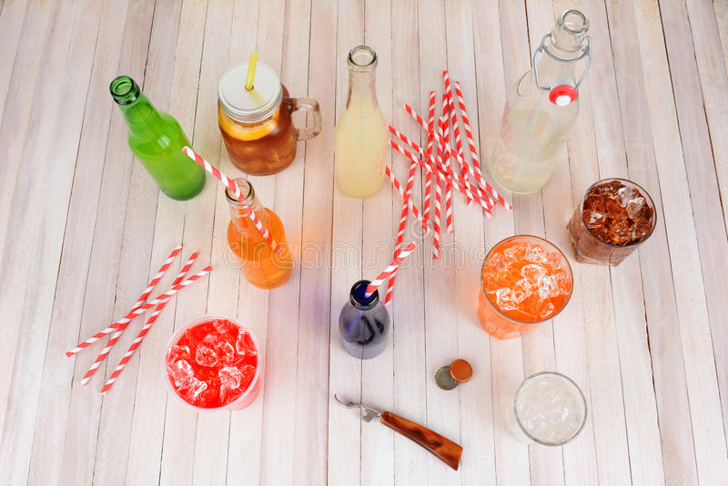 被分类的夏天饮料 库存照片