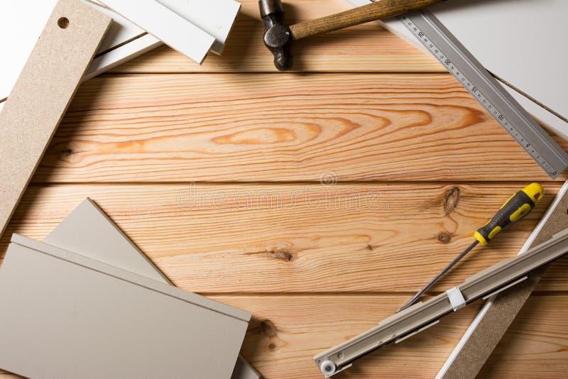 被分类的木制品和木匠业或者建筑工具,松木 免版税库存照片