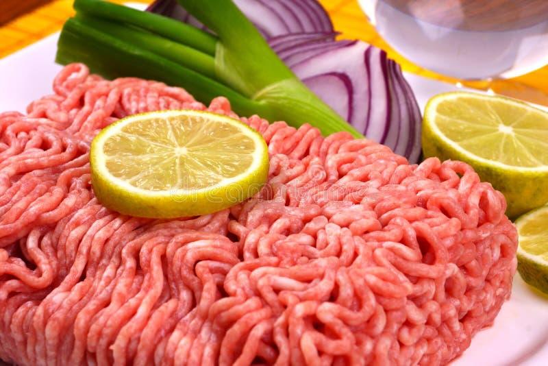 被剁碎的接近的肉准备准备好对 库存图片