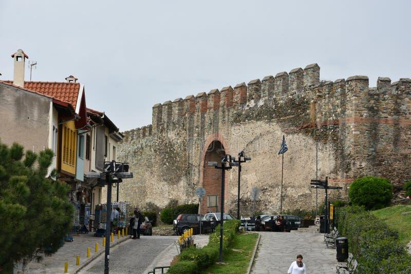 被加强的墙壁在塞萨罗尼基希腊上部镇  库存图片