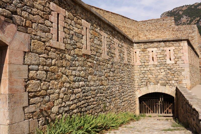 被加强的市Villefranche de Conflent在比利牛斯Orientales,法国 免版税库存照片