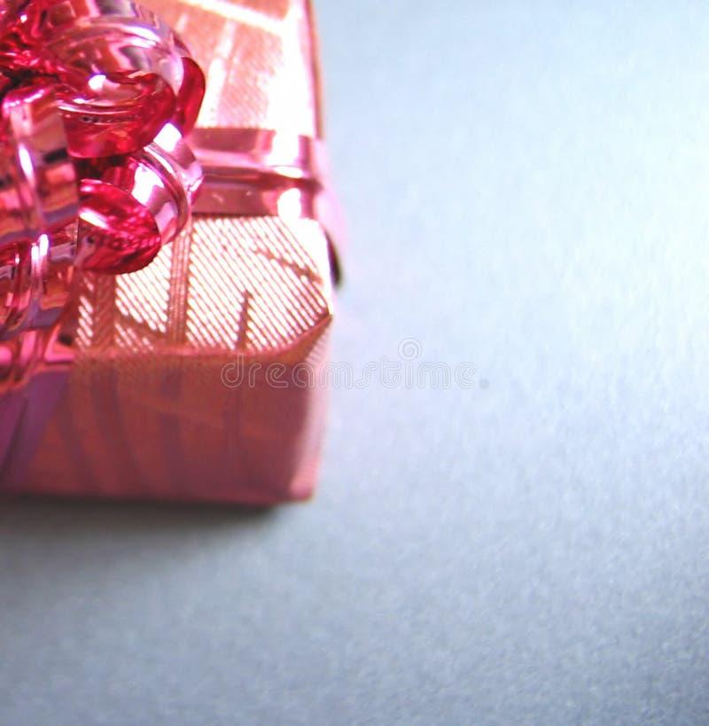 被包裹的礼品存在 免版税库存照片
