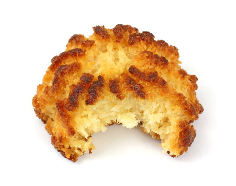 Download 被咬住的椰子蛋白杏仁饼干 库存图片. 图片 包括有 快餐, 食物, 营养, 空白, 纤维, 苦涩, 可食 - 15691981