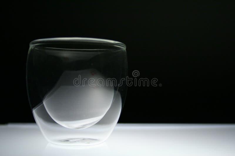 被围住的双玻璃 库存图片
