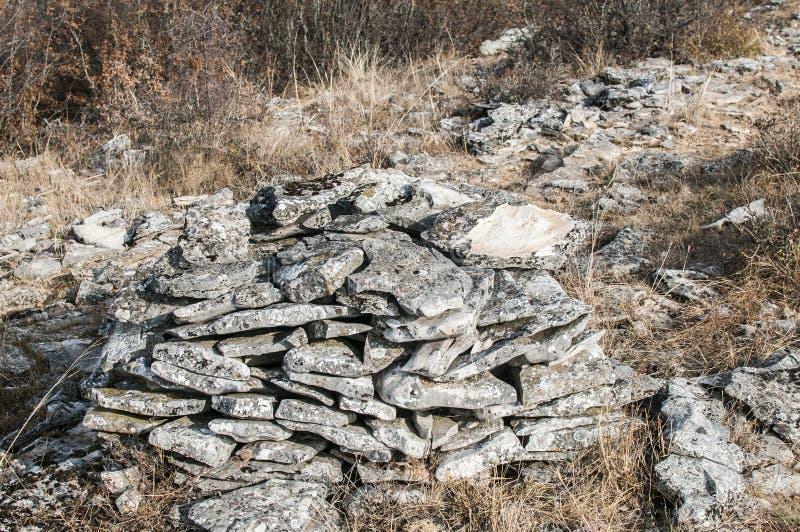 被堆的石头篱芭  库存照片