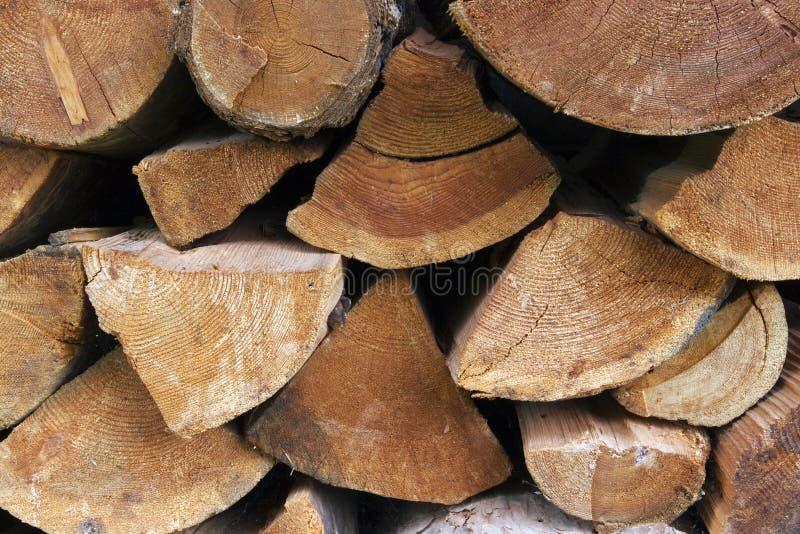 被堆积的切好的木柴 免版税图库摄影