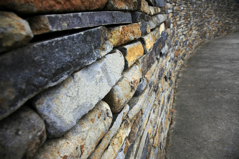 被堆积的石墙 免版税库存照片