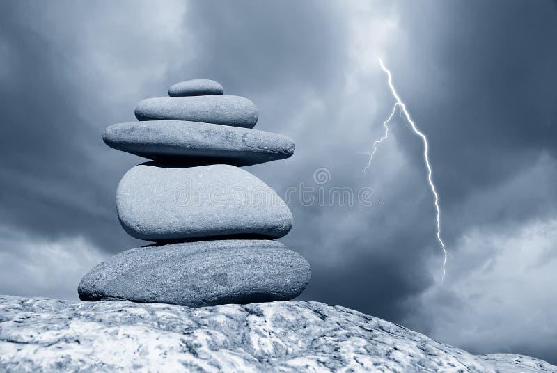 Download 被堆积的石头 库存照片. 图片 包括有 岩石, 概念, 干净, 火箭筒, 闪电, 横向, 风景, beautifuler - 22350828