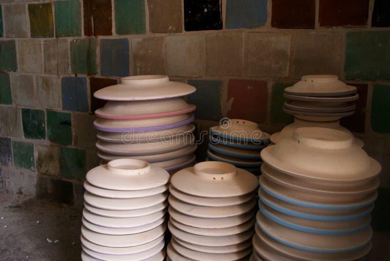 被堆积的陶瓷碗 免版税库存图片