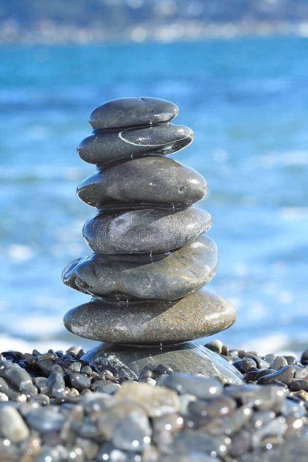 被平衡的栈石头 库存图片