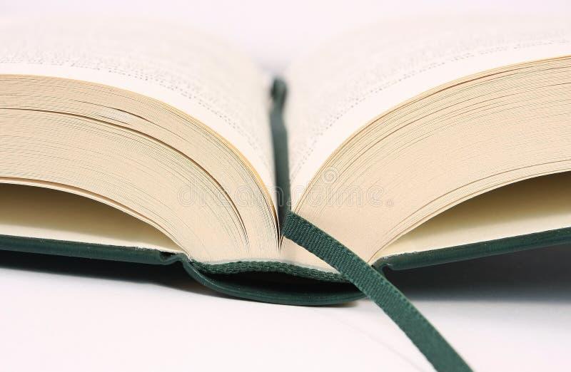 被开张的书详细资料 图库摄影