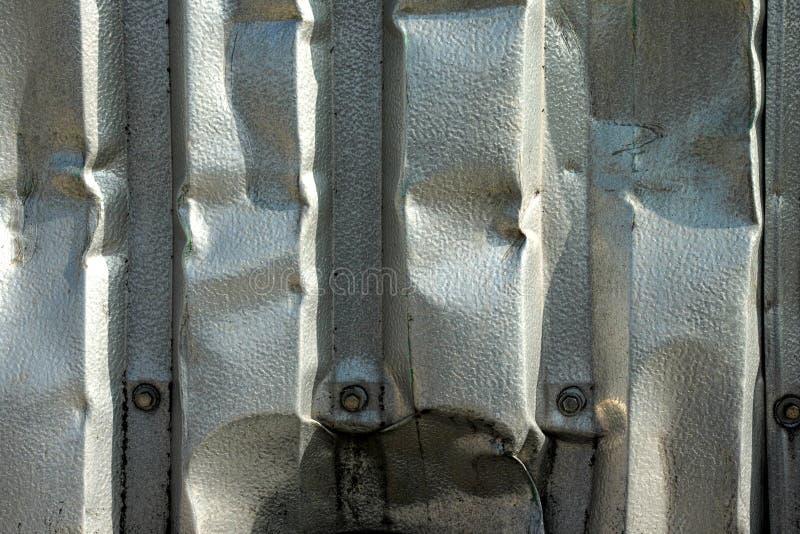 被弄皱的金属板 库存图片