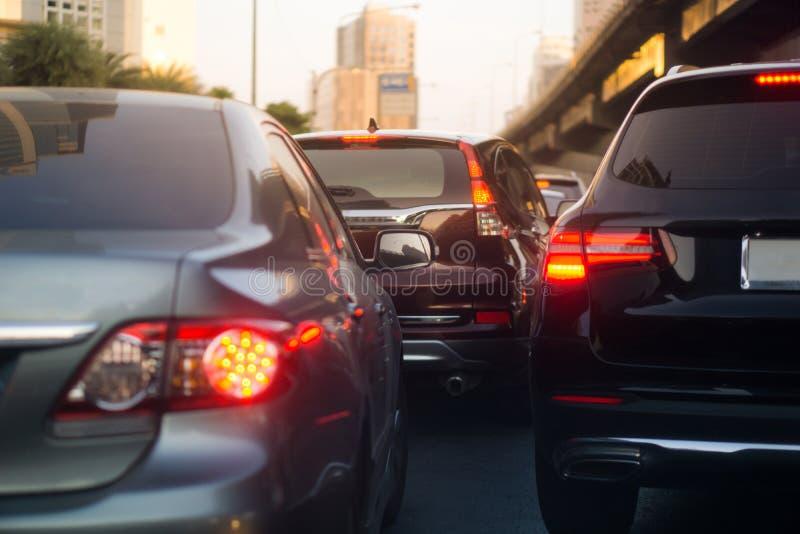 被弄脏的堵车和刹车灯在曼谷,泰国在晚上 免版税库存图片