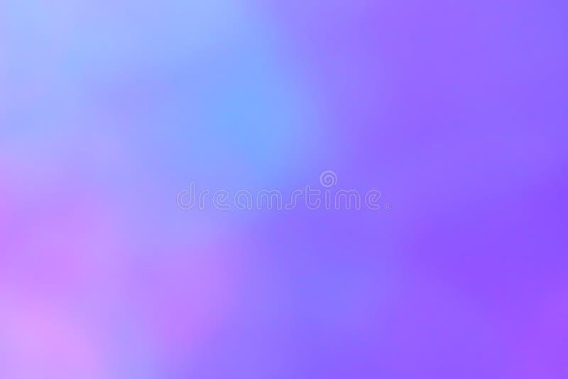 被弄脏的梯度紫罗兰色紫色bokeh光闪烁和亮光背景豪华 免版税库存照片