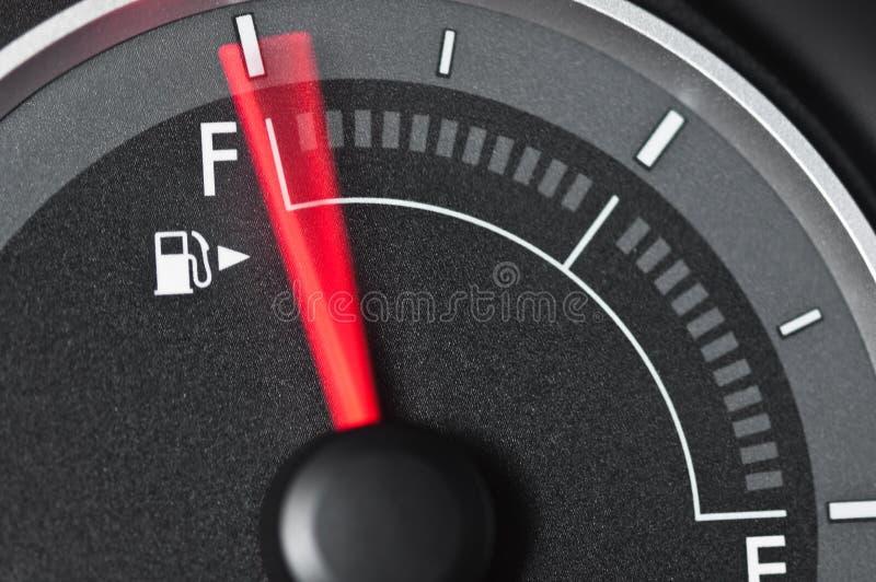 被弄脏的汽油表行动针 免版税库存图片