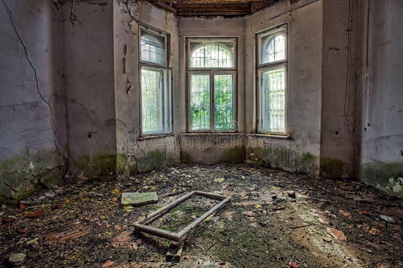 被忘记的古老豪宅。格但斯克-波兰。 免版税库存图片
