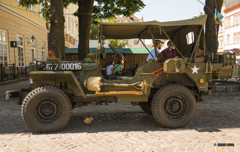 被恢复的汽车吉普威力斯(军警) 免版税库存图片